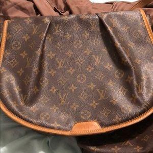 Louis Vuitton Menilmontant MM